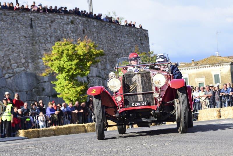 1000 millas de raza italiana histórica con los coches del vintage imagen de archivo libre de regalías