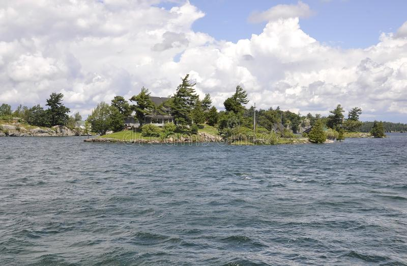 Mille paesaggi dell'arcipelago delle isole dalla provincia di Ontario nel Canada immagini stock libere da diritti