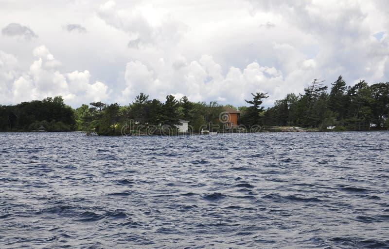 Mille paesaggi dell'arcipelago delle isole dalla provincia di Ontario nel Canada fotografie stock