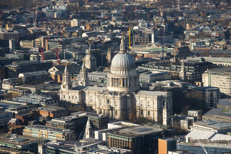 Milleniumbro och St Paul, London, bästa sikt fotografering för bildbyråer