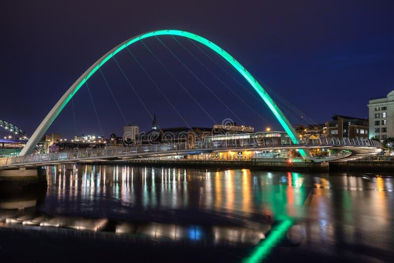 Milleniumbro på kajen av Gateshead royaltyfria bilder