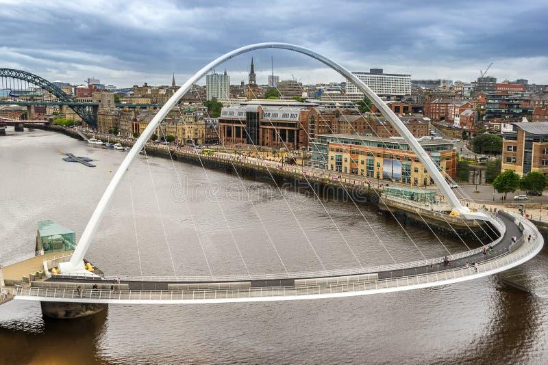 Milleniumbro på kajen av Gateshead arkivfoto