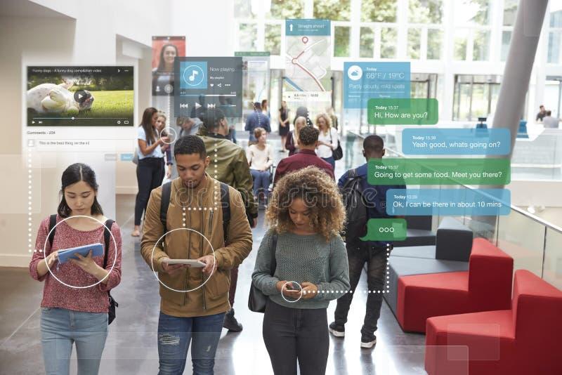 Millennials Używać Ogólnospołecznych środki zdjęcie royalty free