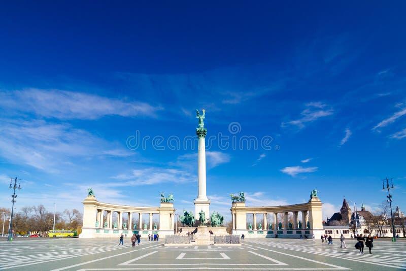 Millenniummonument op het Helden` Vierkant - belangrijke vierkanten in Boedapest, Hongarije royalty-vrije stock afbeeldingen