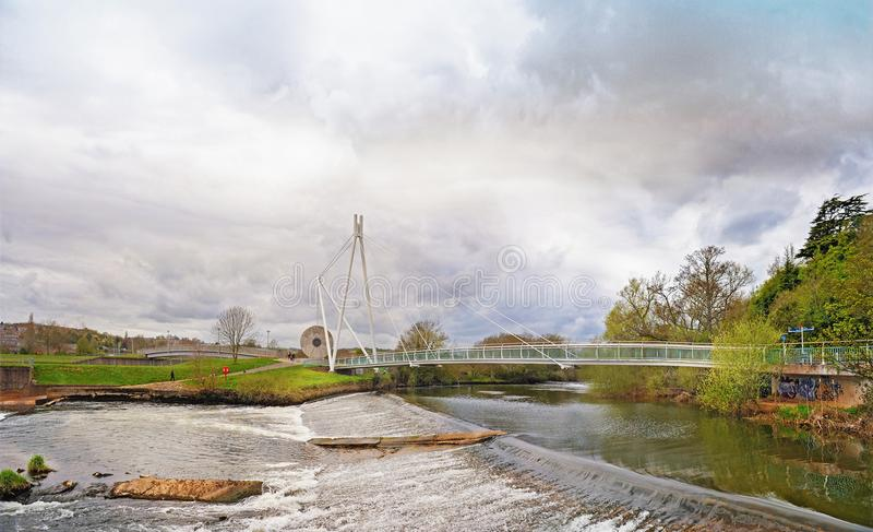 Miller-` s Brückenzyklus und Fußgängerbrücke über dem Fluss Exe I lizenzfreie stockbilder