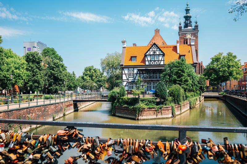 Miller's House and love bridge in Gdansk, Polen royaltyfri bild