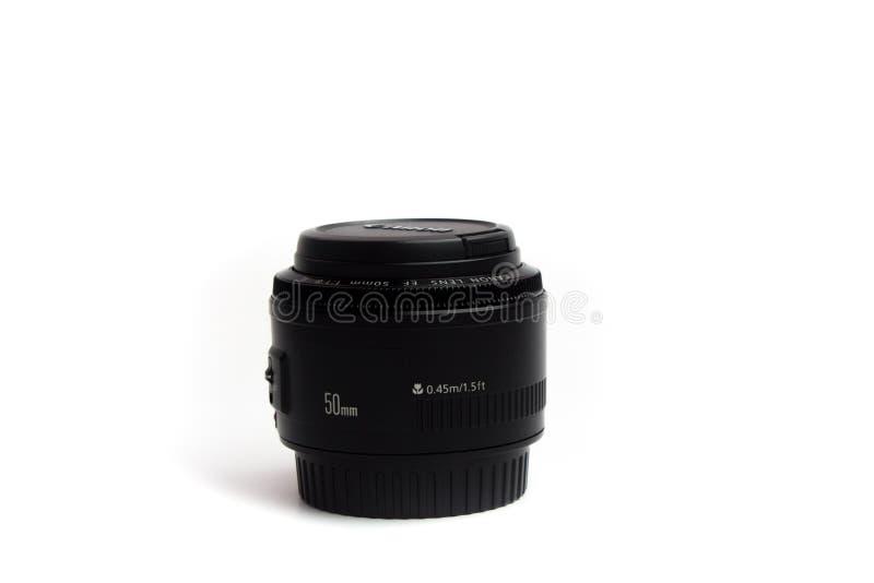 50 millimètres de blanc au sol de noir fixe de lentille photographie stock