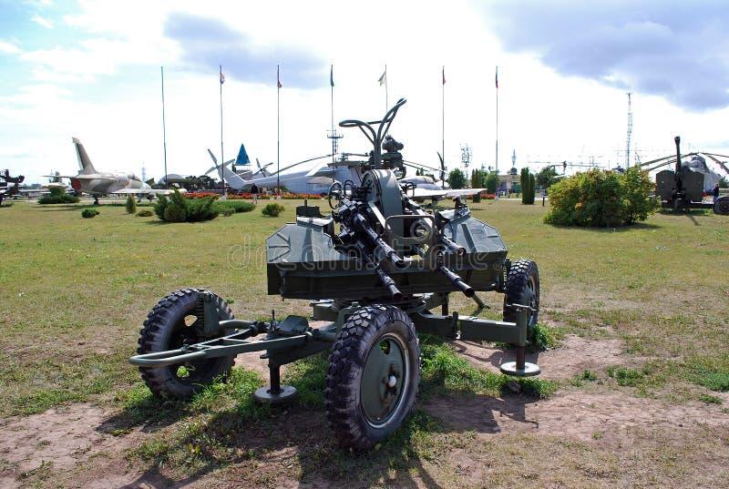 23 millimetri l'ubicazione antiaerea coppia Il museo tecnico di K G Sakharov sotto il cielo aperto nella città di Togliatti fotografia stock