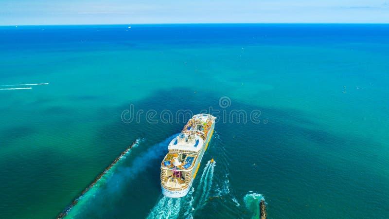 Milliseconde Symphony de bateau de croisière des mers Le plus grand au monde Miami Beach florida LES Etats-Unis photo stock