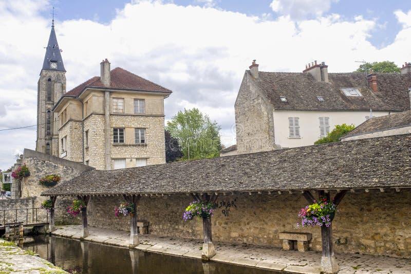 Milly-Λα-Foret - αρχαίο washhouse στοκ φωτογραφίες