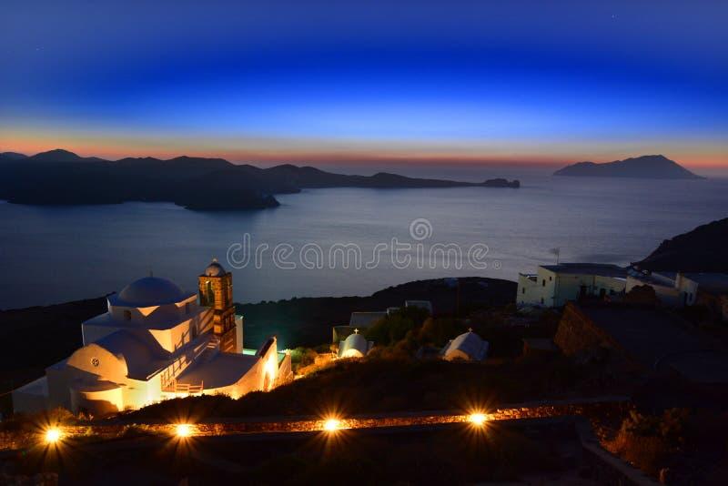 Milos vid natt Cyclades öar Grekland arkivfoto