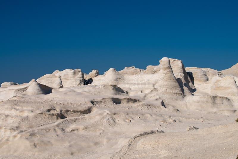 Milos wyspy Grecja szczegół Sarakiniko plaża w lato czasie obraz royalty free