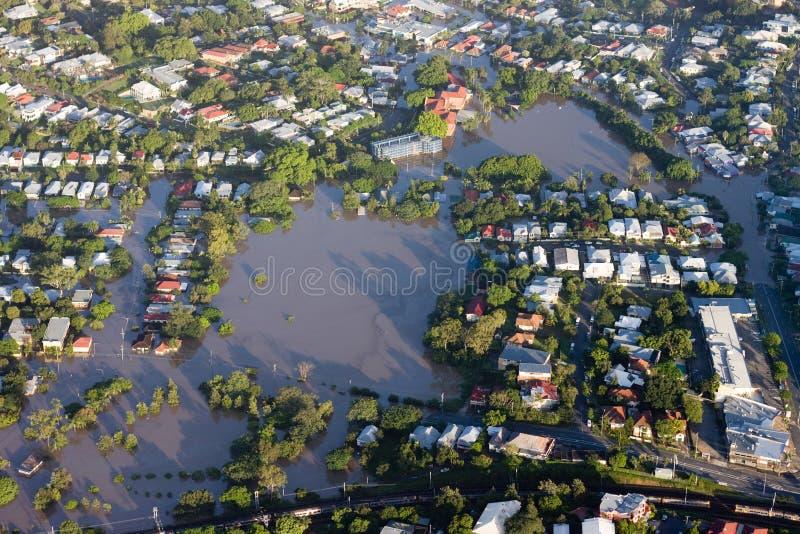 Milt da opinião aérea de janeiro 2011 da inundação do rio de Brisbane fotos de stock