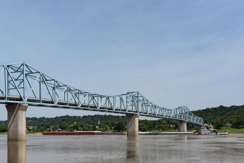 Milton-Madison Bridge op de Rivier van Ohio tussen Kentucky en Ind. stock fotografie
