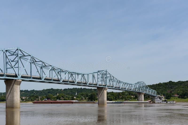 Milton-Madison Bridge sul fiume Ohio fra il Kentucky ed il Ind fotografia stock