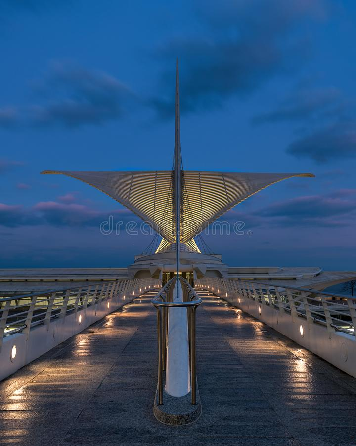 Milwaukee Art Museum nachts stockfotografie