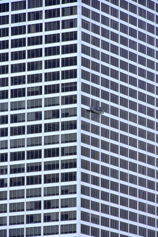 Milwaukee byggnad som har Windows, tvättade sig royaltyfri foto