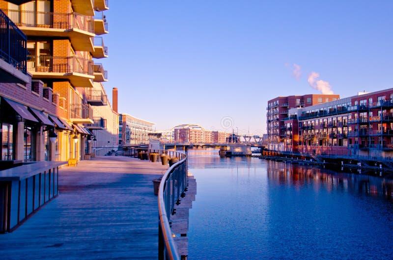 Milwaukee-dritter Bezirk Riverwalk lizenzfreies stockfoto