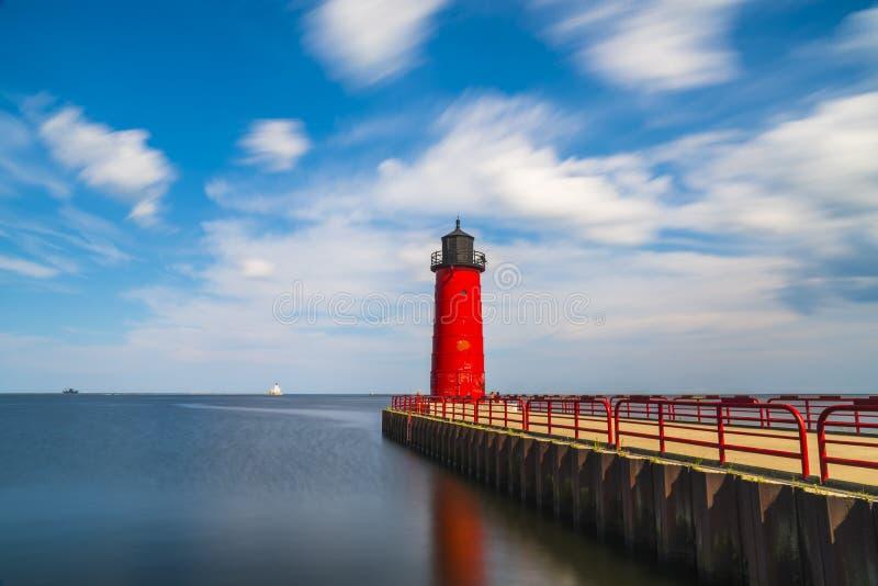 Milwaukee fyr på solig dag arkivbilder