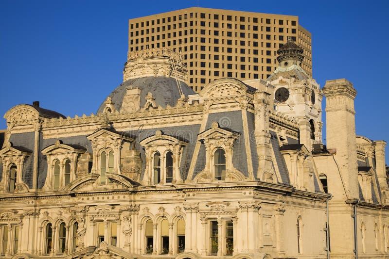 Milwaukee-Gebäude - alt und neu lizenzfreies stockfoto
