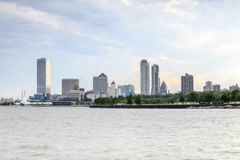 Milwaukee horisont, Wisconsin, USA arkivfoton