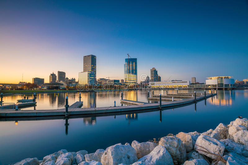 Milwaukee-Skyline stockbild