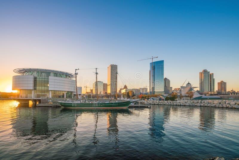 Milwaukee-Skyline lizenzfreies stockfoto