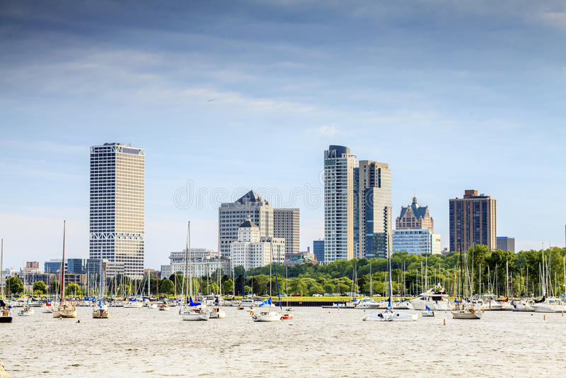 Milwaukee-Skyline, Wisconsin, USA lizenzfreie stockbilder