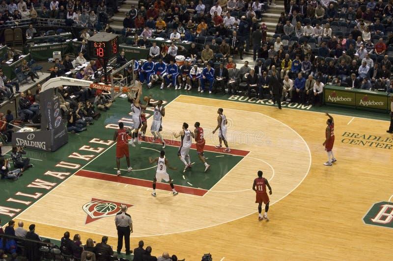 Milwaukee sträubt sich NBA Basketballbradley-Mitte lizenzfreies stockfoto
