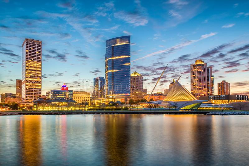 Milwaukee Wisconsin, USA horisont royaltyfri foto