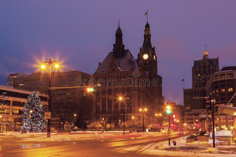 MilwaukeeRathaus während des Weihnachten lizenzfreie stockfotografie