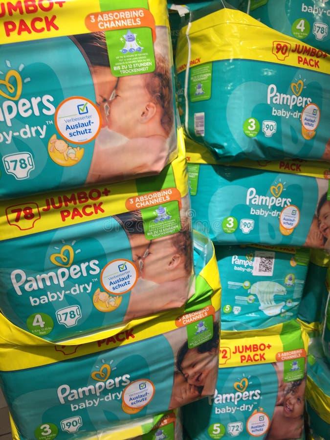 Mima tecidos secos do bebê fotografia de stock royalty free