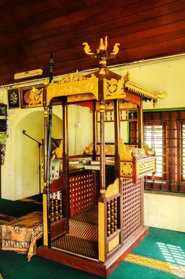 Mimbar van de Moskee van Luchtbarok in Jasin Malacca, Maleisië stock afbeeldingen