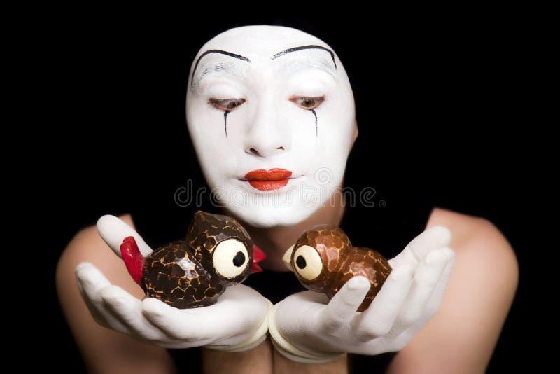 Download Mime Com Pássaros Do Brinquedo Imagem de Stock - Imagem de homem, pássaros: 10051531