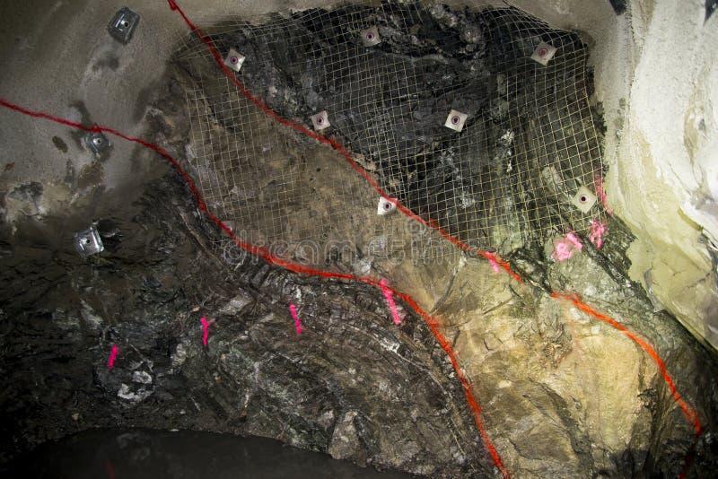 Minério da mina fotografia de stock royalty free