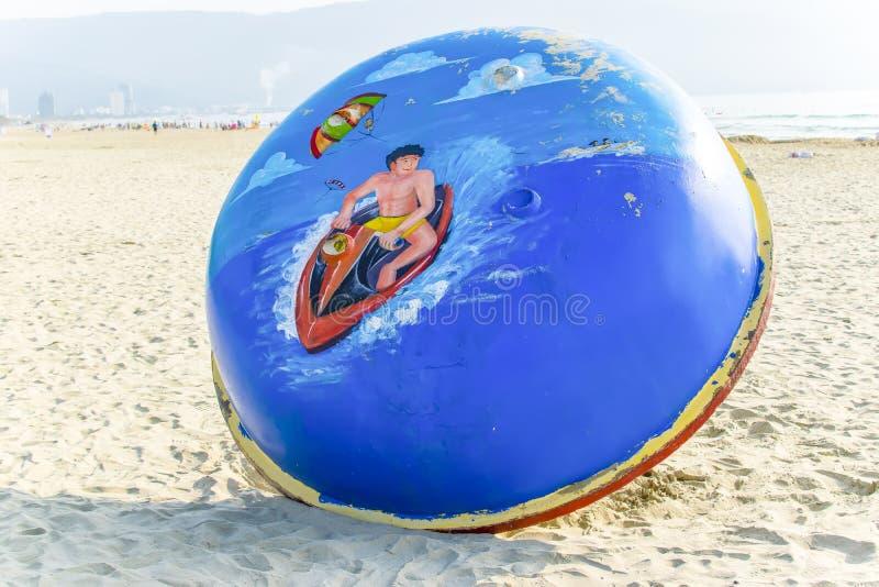MIN KHE-STRAND, DA NANG, VIETNAM, May 1., 2018: Min Khe strand är en härlig strand i den Danang staden, Vietnam royaltyfria foton