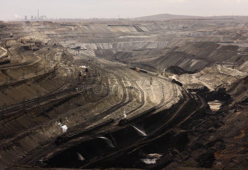 Mina de carbón a cielo abierto fotos de archivo
