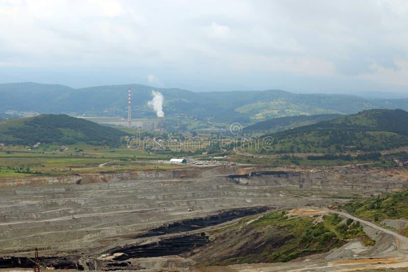 Mina de carbón de cielo abierto y central térmico Pljevlja foto de archivo libre de regalías