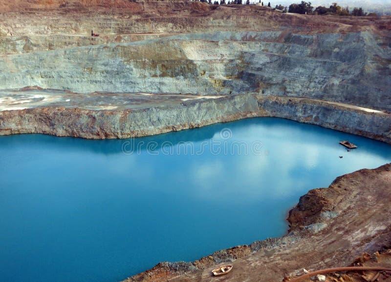 Mina de cobre de poço aberto de Skouriotissa fotografia de stock royalty free