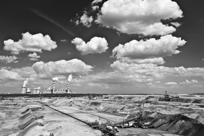 Mina de la central eléctrica y del lignito imagenes de archivo
