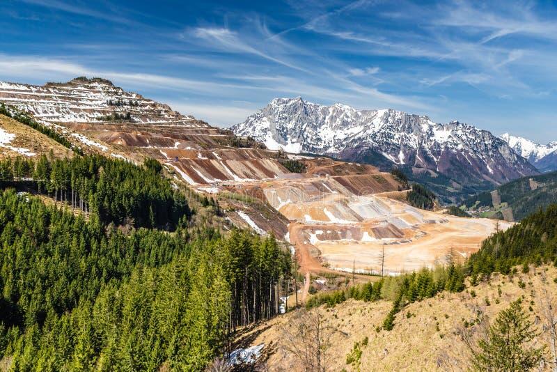 Mina de mineral de hierro a cielo abierto de Erzberg - Eisenerz, Austria imagen de archivo