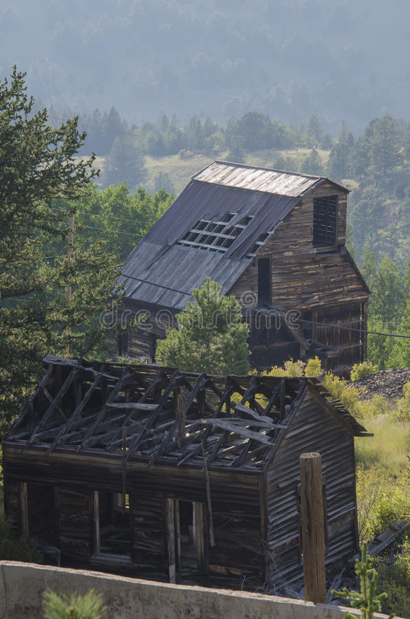 Mina de oro abandonada vieja situada en Victor Colorado fotografía de archivo