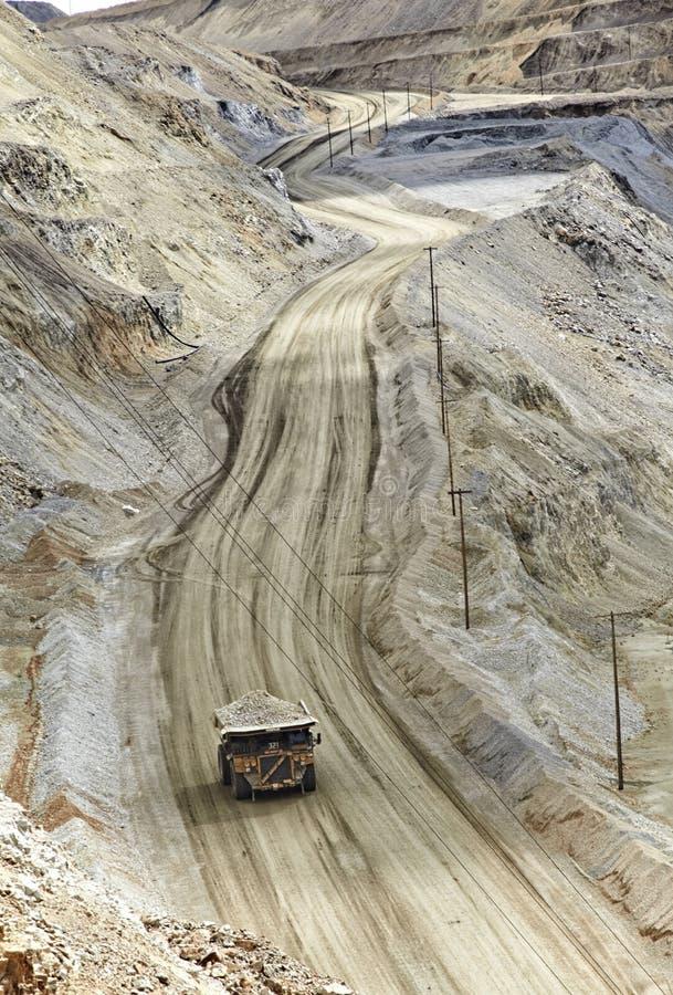 Mina de poço aberto Kennecott da escavação, cobre, ouro e mina de prata fotos de stock royalty free