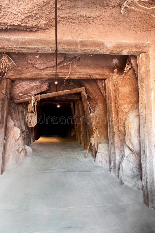 Mina del túnel foto de archivo libre de regalías