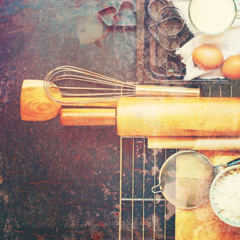 Minable rustique de noir de composition en cuisine de cuisson photographie stock libre de droits