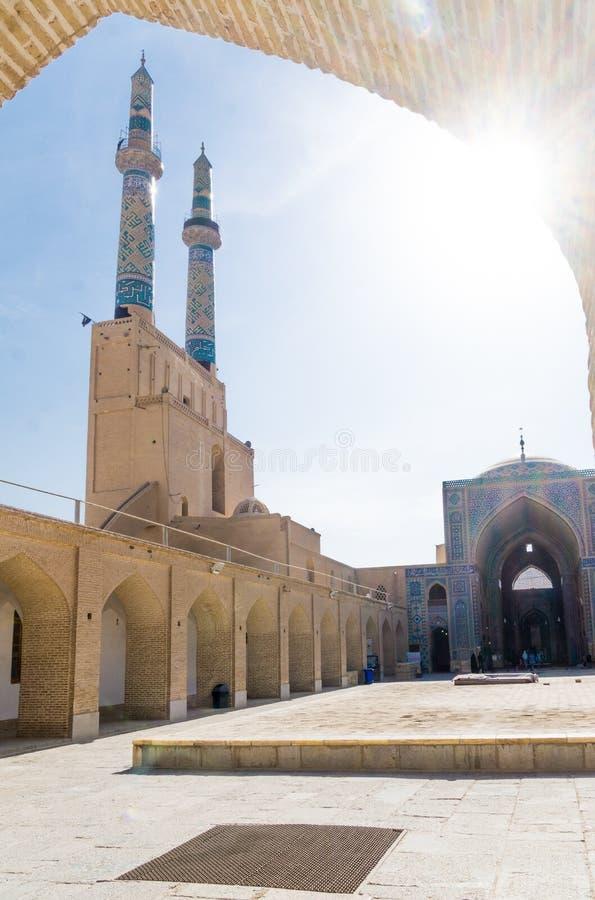 Minaret av den Jame moskén i Yazd arkivbilder