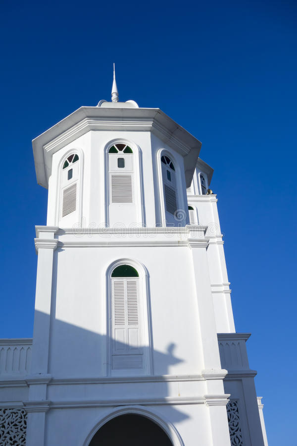 Minaret d'une mosquée (masjid) photographie stock libre de droits