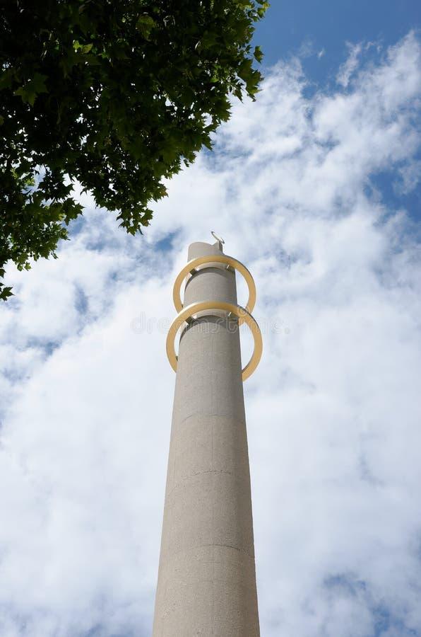 Minaret d'une mosquée moderne photos stock