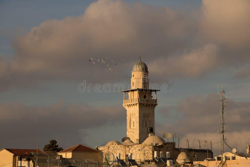 Minaret de mosquée d'Omer dans la vieille ville de Jérusalem, Israël photographie stock