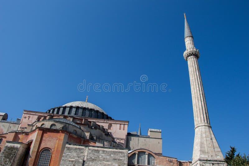 Minaret des mosquées de tabouret en vue image stock